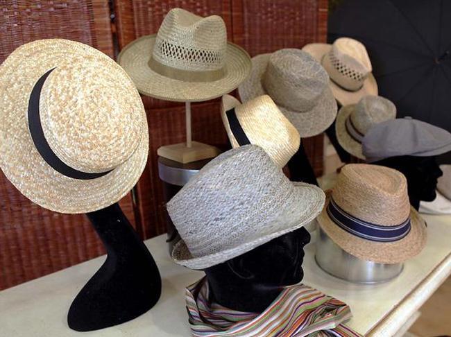 Vente de chapeaux imperméables