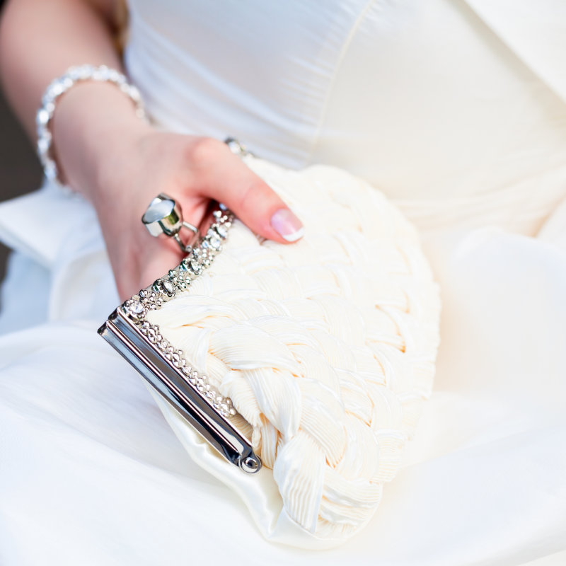 Une pochette pour une cérémonie de mariage
